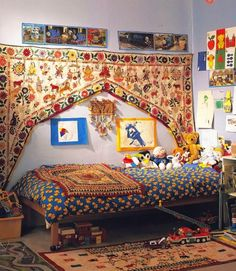 Living with Decorative Textiles.