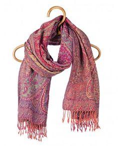 I looove scarves