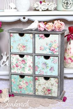 Handmade Crafts, Diy Crafts, Shabby Chic Jewellery Box, Jewelry Box Makeover, Decoupage Furniture, Shabby Chic Crafts, Shabby Chic Christmas, Decoupage Vintage, Upcycled Home Decor