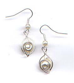 WireWorkers Guild: great tutorial for the earings, a matching pendant... and a bracelet!