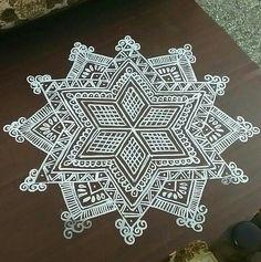 Indian Rangoli Designs, Simple Rangoli Designs Images, Colorful Rangoli Designs, Free Hand Rangoli Design, Small Rangoli Design, Mandala Design, Padi Kolam, Kolam Rangoli, Mandala Drawing