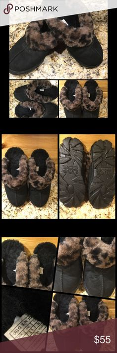 """Authentic UGG Black Leather Coquette Slippers 8 These are authentic UGG, """"Coquette"""" rare and sought after bedroom slippers in a size 8.  They are black leather trimmed in leopard print sheepskin, trademark of UGG. This style has a substantial sole With traction ridges. This style is usually more expensive than other UGG Slippers. They are preowned in very good condition. The fur is still fluffy. From smoke free home with pets. No holds, trades, or off site deals. Please use offer button for…"""
