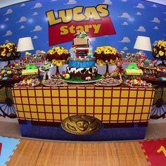 Festa Toy Story. Por @evelinetito #fabiolateles #blogencontrandoideias…