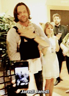 :( The bigger they are the harder they fall! Jared And Jensen, Just Jared, Jensen Ackles, Supernatural Convention, Supernatural Cast, The Cw Series, Behind The Screen, We Are Family, Super Natural