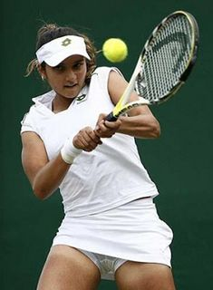 14 Embarrassing When You See It Pictures Of Female Tennis Players – Funny Web Zone Social Media Humor, Professional Tennis Players, When You See It, Tennis Players Female, Tennis Stars, Embarrassing Moments, Female Athletes, Sport Girl, Tennis Racket