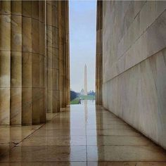 This week's #lpfanphoto is from @tiny_adventurer who has captured this beautiful shot of the Washington Memorial from the Lincoln Memorial. We just love the angle of this shot! Where in the world have you taken your best travel photos? -- Tag your favouri