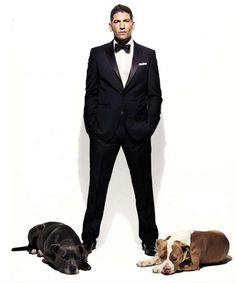 Jon Bernthal and pitties. In love