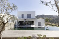 John Pawson - Paros House III nears completion Ancient Architecture, Sustainable Architecture, Modern Architecture, Urban Design, Modern Design, Used Shipping Containers, John Pawson, Paros, Beach House