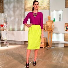 Confira alguns looks de Isabella Fiorentino, a aniversariante do dia Color Blocking Outfits, Mode Lookbook, Fashion Lookbook, Neon Outfits, Outfit Posts, Dress Codes, Capsule Wardrobe, Color Combos, Lace Skirt