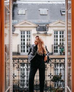 Alex Socks (@alexsocks) • Photos et vidéos Instagram Snapchat, Kgi, Parisian Style, Album, Leather Pants, Woman Inspiration, Instagram, Minimal, Normcore