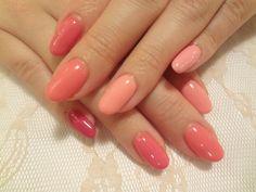 色に迷ったらおすすめ!淡いピンクと濃いピンク♡どっちも使った良いとこ取りのネイルです♡