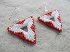 Ridgways / Geometria..bielo červená...náušnice PC 5,49