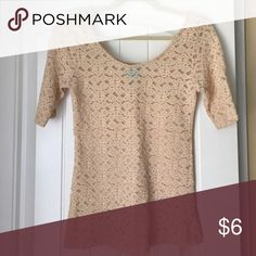 Beige lace top Beige lace top from tj maxx. Size medium. Fitted. Sleeve hits mid between shoulder and elbow. hip Tops Blouses