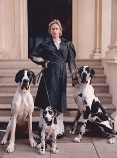 "Emily Blunt poses for the January 2019 cover of Harper's Bazaar magazine to promote ""Mary Poppins."" Photo by Richard Phibbs. Emily Blunt, Fashion Shoot, Editorial Fashion, Pet Fashion, Dog Photography, Fashion Photography, Photography Portraits, Color Photography, Dog Days Are Over"