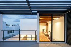 Casa Once by Espacio 18 Arquitectura and Cueto