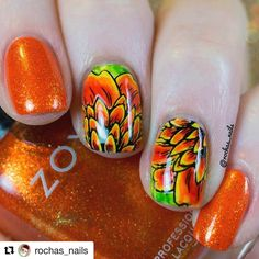 Petal power  in love with this stamped mani using our 4-01 plate - by the beautiful @rochas_nails