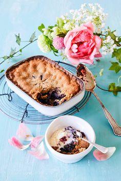 Mustikkakukko   Meillä kotona Sweet Recipes, Camembert Cheese, Deserts, Brunch, Food And Drink, Baking, Ethnic Recipes, Koti, Tarts