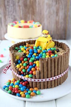 Tytön Ryhmä Hau-synttärikakku - Suklaapossu Paw Patrol Birthday Cake, Baby Party, Sprinkles, Candy, Breakfast, Recipes, Food, Beverage, Party Ideas
