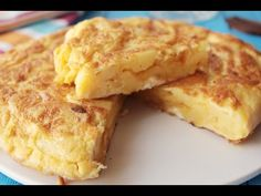 Recetas: Tortilla de patatas Made this for Katlyn's travel-themed bridal shower and it was good! Very authentic to Spain! Honey Recipes, Ww Recipes, Cooking Recipes, Dessert Ww, Vegetarian Tapas, Low Calorie Desserts, Spanish Dishes, Good Food, Yummy Food
