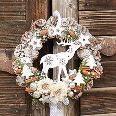 Hydrangea / Vianočný veniec na dvere so sobíkom Burlap Wreath, Wreaths, Home Decor, Decoration Home, Door Wreaths, Room Decor, Burlap Garland, Deco Mesh Wreaths, Home Interior Design