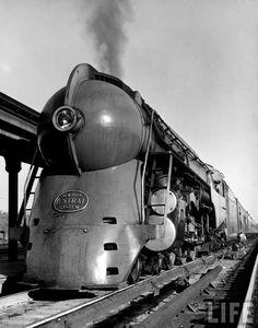 Streamlined locomotives, streamliner aerodynamic locomotive railroad retro art deco futuristic train trains