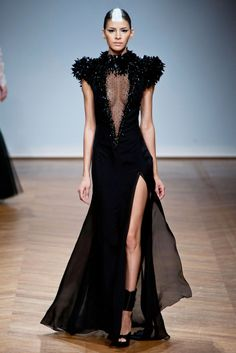 I predict Selena Gomez will rock this on a red carpet soon. || On Aura Tout Vu (Spring 2014 Couture)