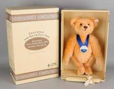 Steiff Happiness Asian Teddy Bear 1996 Imperial Yellow