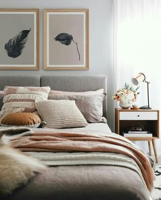 Chouette idee deco chambre adulte rose et gris, amenagement petite chambre tenda. Nice idea for a pink and gray adult bedroom decor, small trendy bedroom layout 2018 in decoration Bedroom Styles, Modern Bedroom, Grey Bedrooms, Teen Bedroom, Cosy Grey Bedroom, Cosy Bedroom Decor, Cosy Home Decor, Scandinavian Bedroom Decor, Peaceful Bedroom