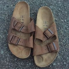 Like New Classic Birkenstocks in Brown Only worn 2-3 times!  I just don't like the way they fit my flat feet :( Classic brown double strap. Some minor wear as shown, but have TONS of life left! Birkenstock Shoes Sandals