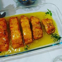 Receita de Salmão grelhado com molho de maracujá.