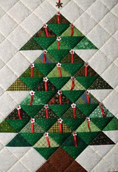 Christmas patchwork tree by Rachel at Mañana Mama: 2010