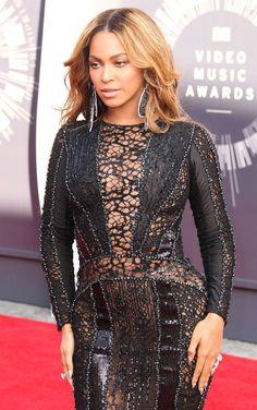 Beyoncé  Was Wearing Nicolas Jebran At  MTV Vidéo Music Awards 2014