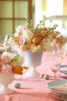 Karin Lidbeck: Flower Show Centerpiece: Styling An Easter Table: How to add eggs into your arrangements