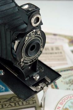 Vintage Camera - I want one displayed in my formal living area like my grandfather did with his camera