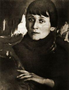 Anna Akhmatova / М.Наппельбаум. Анна Ахматова. 1921 г.