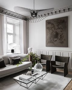 [New] The 10 Best Home Decor (with Pictures) - Design creates culture. Culture shapes values. Values determine the future. Loft Interior Design, Interior Decorating, Sophisticated Living Rooms, Living Room Decor Inspiration, Interior Design Living Room, Decoration, Instagram, Home Decor, Houses