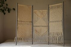 Foldable Macrame screen Pvc Projects, Projects To Try, Weaving, Cement, Balcony, Interior, Identity, Fabric, Diy