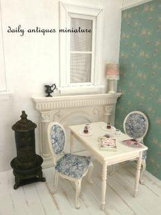 Dollhouse miniature by Yoko Serizawa. http://daily-antiques.ocnk.net/