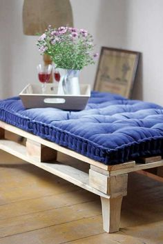 diy palette bench idea = Mable z Drewnolotu. Furniture, Pallet Decor, Coffee Table Out Of Pallets, Upcycled Furniture, Home Deco, Pallet Seating, Pallet Furniture, Homemade Furniture, Furniture Design