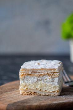 How to make the best Polish Papal Cream Cake? - Papal cream cake or kremowka is one of the best Polish desserts ever. A smooth vanilla custard fill - Puff Pastry Desserts, Puff Pastry Recipes, Pastry Cake, Custard Filling, Custard Cake, Vanilla Custard, French Puff Pastry, Cake Recipes, Dessert Recipes