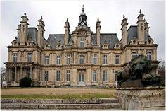 Google Image Result for http://photos-jpdeleeck.fr/SITE2/CHATEAU%2520ET%2520SANATORIUM%2520DE%2520CARNELLE/slides/Chateau%2520de%2520Franconville%2520aux%2520Bois%25202.jpg  Castle Franconville