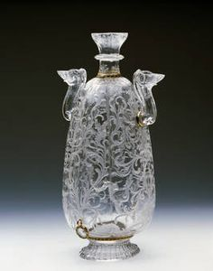 """""""Botella con anillas"""", Anónimo, último tercio del siglo XVI. Taller de los Sarachi (?) Cristal de roca / cuarzo hialino."""