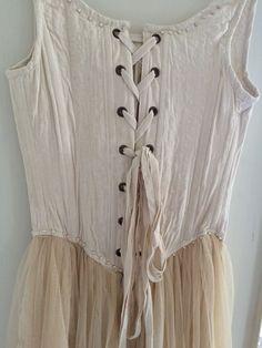 Dress, vintage via Hagagården. Click on the image to see more!