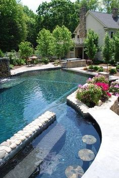 Winding pool, relax and njoy
