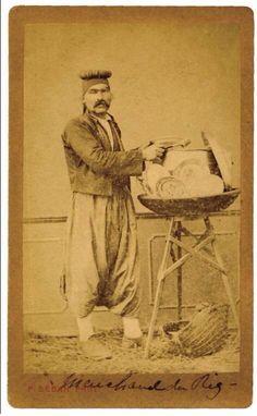 """istanlook:  """" rice seller in old Istanbul - eski İstanbul'da pilav satıcısı #streetfood #sokakyemeği #old #photography #istanlook  """""""