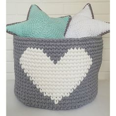 23 Trendy Crochet Ideas For Home T Shirts Diy Crochet Basket, Crochet Bowl, Crochet Basket Pattern, Knit Basket, Quick Crochet, Crochet Stars, Crochet Cross, Love Crochet, Crochet For Kids