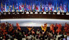 El folclor colombiano se hizo presente en la instalación de la Cumbre de las Américas. Foto AP.