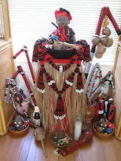 CAMINOS DE LOS ORISHAS Dentro de la religión yoruba además de tener a nuestros orishas, debemos tener en cuenta todos y cada uno de sus caminos, es por ello que en esta ocasión lesharéreferencia a algunos de los caminos de ELEGGUA el dueño de loscaminos y OGGUN el dueño del hierro ALGUNOS CA... CAMINOS DE LOS ORISHAS