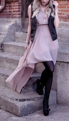 I have a dress just like this but in orange, now I just need to find  the perfect vest like this!