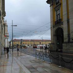 Viagens na Minha Terra #lisboa #lisbon #lisboapt #lisboalive #arq #lisboanarua #portugal #igerslisboa #arquiteture #instagramcml #lisbona #arquiteturaeurbanismo #colors #buildings #streets #houses #lisbonlovers #visitlisboa #igersportugal #arquitecture #lisboalove #welovelisbon #arquitectura #building #arquitetura #p3top #arquiteto #portugaldenorteasul #lisboncool #lisboa_pt